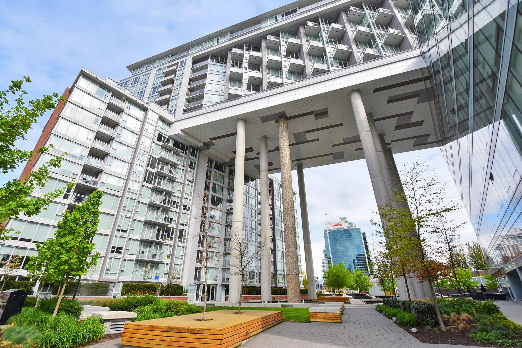 """Main Photo: 206 1618 QUEBEC Street in Vancouver: Mount Pleasant VE Condo for sale in """"CENTRAL"""" (Vancouver East)  : MLS®# R2262451"""