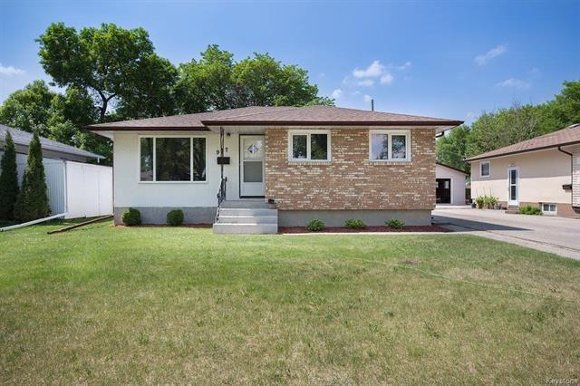 Main Photo: 907 Brewster Street in Winnipeg: West Transcona Residential for sale (3L)  : MLS®# 1814952