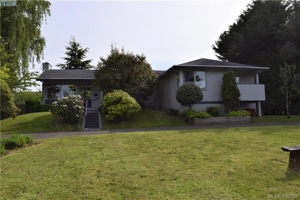 Main Photo: 4445 Narvaez Crescent in VICTORIA: SE Gordon Head Single Family Detached for sale (Saanich East)  : MLS®# 410725