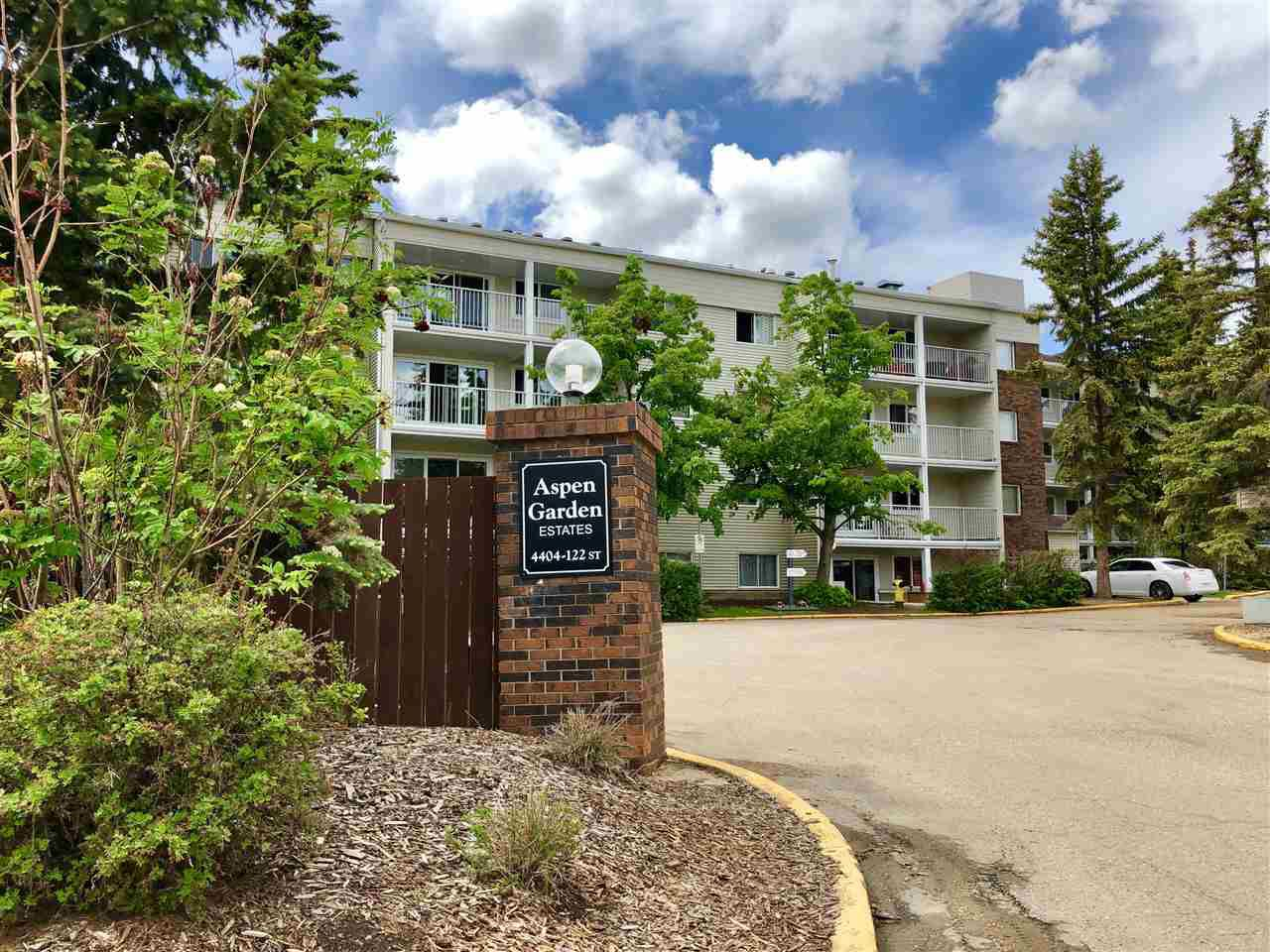 Main Photo: 217 4404 122 Street in Edmonton: Zone 16 Condo for sale : MLS®# E4161499