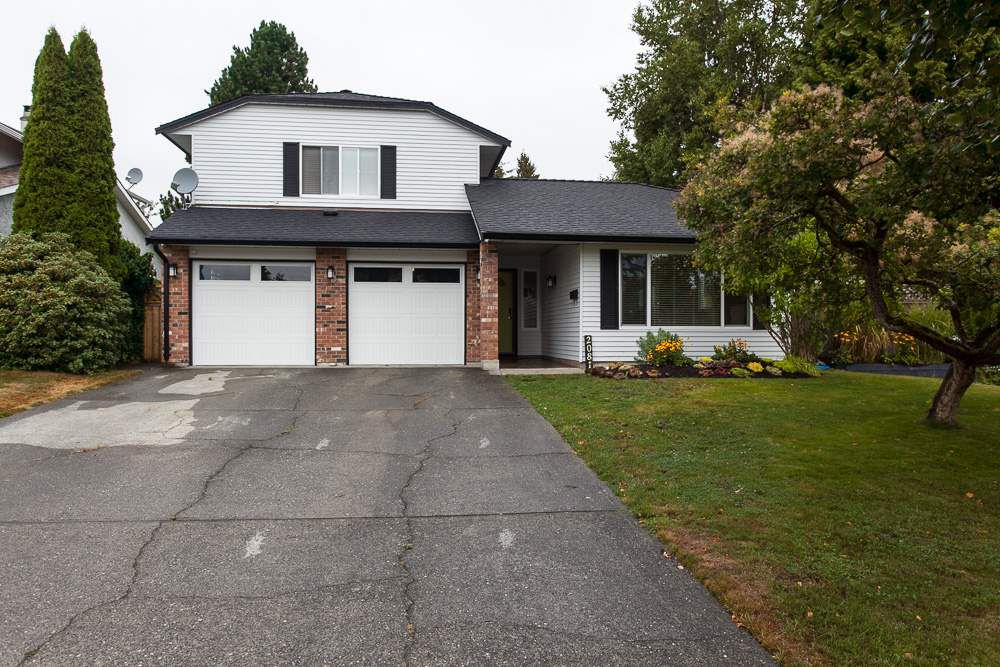 Main Photo: 2081 156A Street in Surrey: King George Corridor House for sale (South Surrey White Rock)  : MLS®# R2104763