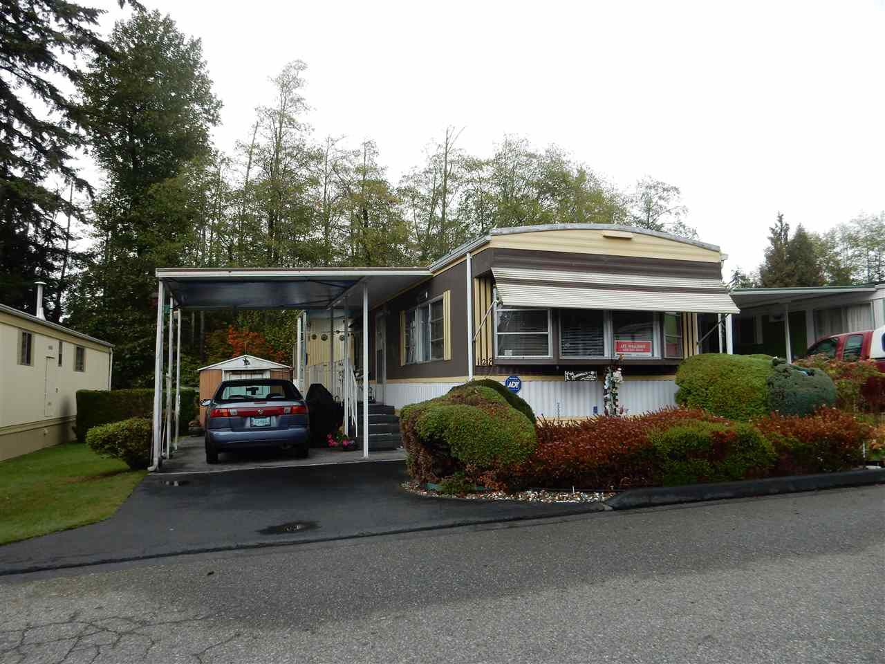 "Main Photo: 128 7790 KING GEORGE Boulevard in Surrey: East Newton Manufactured Home for sale in ""Crispen Bays"" : MLS®# R2111329"