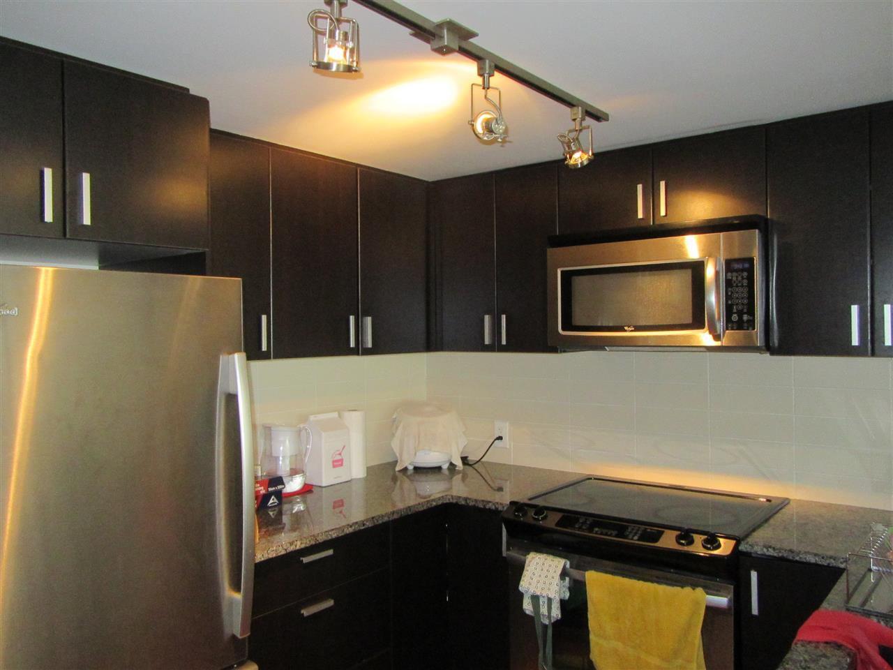 Main Photo: 318 7511 120 Street in Delta: Scottsdale Condo for sale (N. Delta)  : MLS®# R2164512