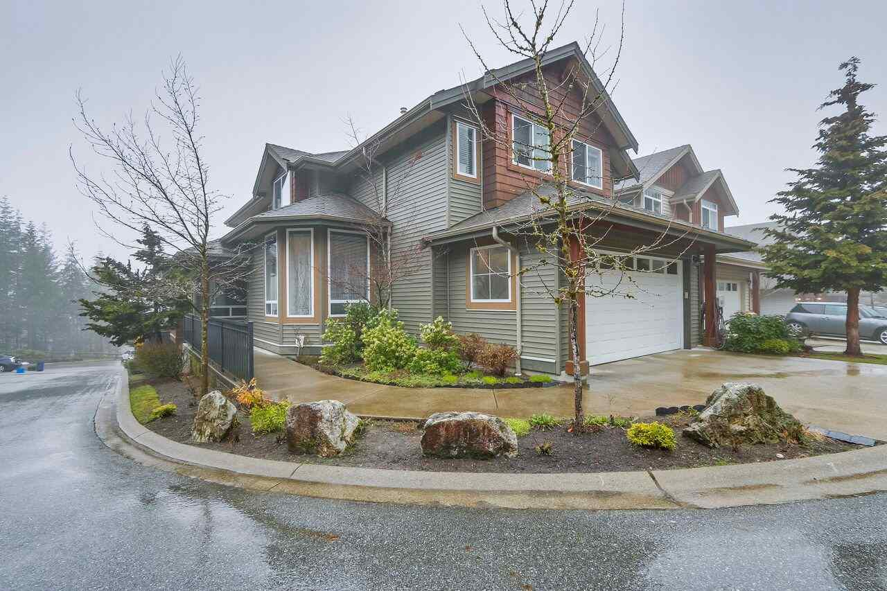"Main Photo: 31 1705 PARKWAY Boulevard in Coquitlam: Westwood Plateau House for sale in ""TANGO"" : MLS®# R2251423"