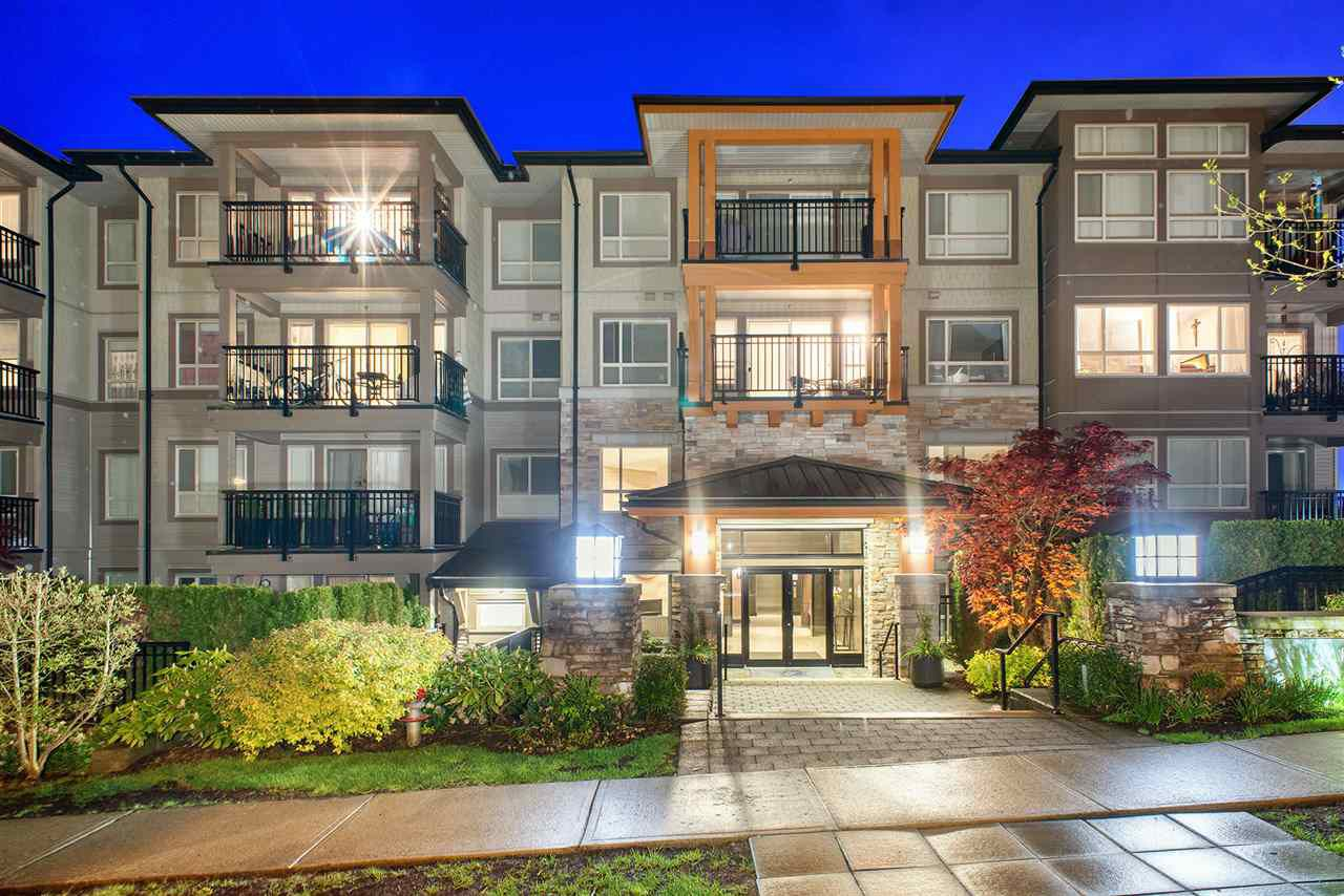 Main Photo: 310 3178 DAYANEE SPRINGS BL BOULEVARD in Coquitlam: Westwood Plateau Condo for sale : MLS®# R2262658