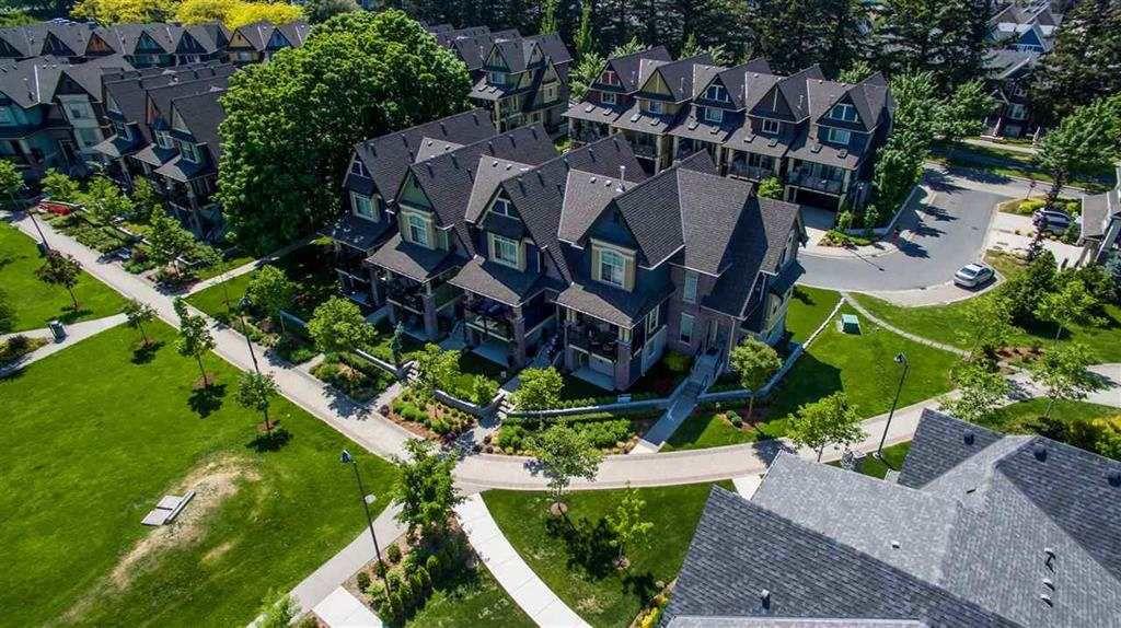 "Main Photo: 5782 MITCHELL Street in Sardis: Vedder S Watson-Promontory Condo for sale in ""Brownstones"" : MLS®# R2302078"