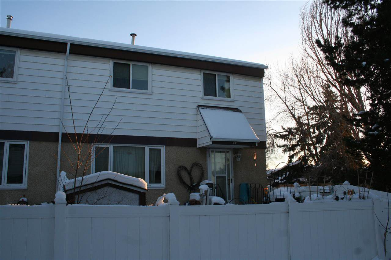 Main Photo: #6D TWIN TC NW in Edmonton: Zone 29 Townhouse for sale : MLS®# E4141144