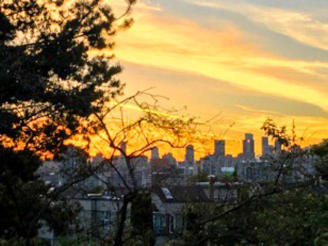 "Main Photo: 306 550 E 6TH Avenue in Vancouver: Mount Pleasant VE Condo for sale in ""LANDMARK GARDENS"" (Vancouver East)  : MLS®# R2350628"
