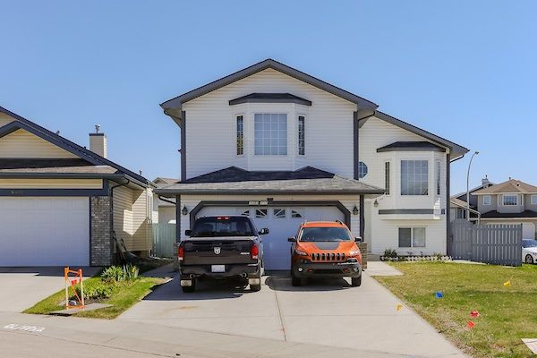 Main Photo: 16603 81 Street in Edmonton: Zone 28 House for sale : MLS®# E4148972