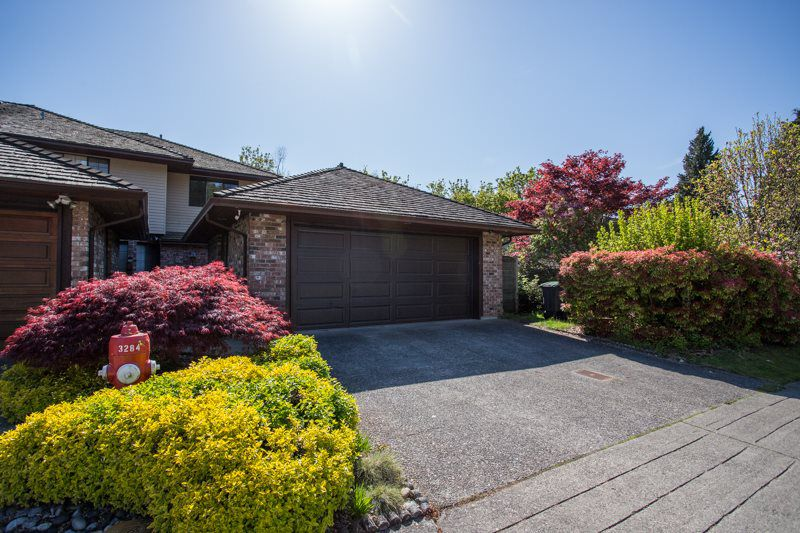 """Main Photo: 1733 SOUTHMERE Crescent in Surrey: Sunnyside Park Surrey House 1/2 Duplex for sale in """"Southmere"""" (South Surrey White Rock)  : MLS®# R2362347"""