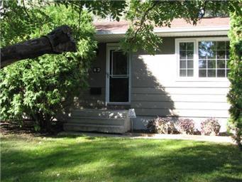 Main Photo: 42 Middleton Crescent in Saskatoon: Nutana Park Single Family Dwelling for sale (Saskatoon Area 02)  : MLS®# 412459