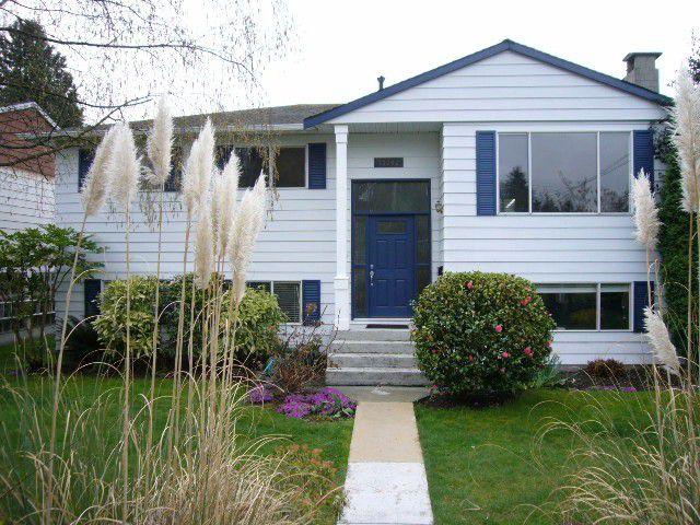 Main Photo: 13742 BLACKBURN Avenue: White Rock House for sale (South Surrey White Rock)  : MLS®# F1308385