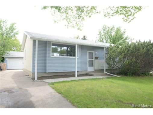 Main Photo: 23 DALGLIESH Drive in Regina: Walsh Acres Single Family Dwelling for sale (Regina Area 01)  : MLS®# 502051