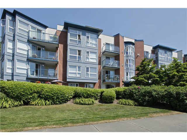 """Main Photo: 207 20277 53 Avenue in Langley: Langley City Condo for sale in """"Metro II"""" : MLS®# F1446990"""