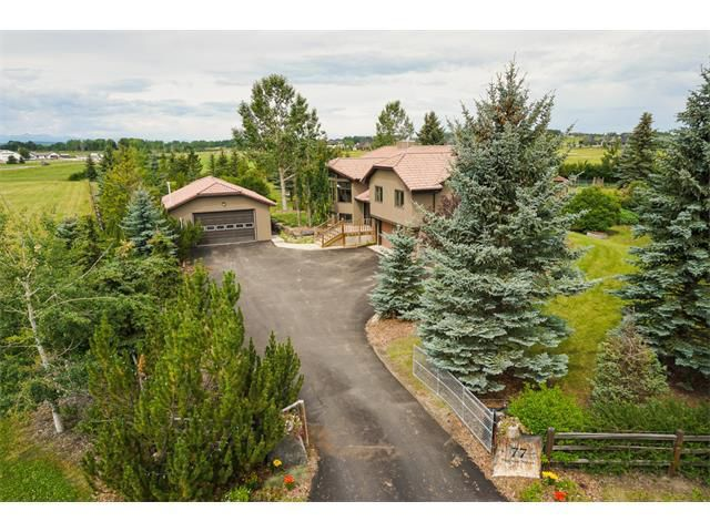 Main Photo: 77 BRAEMAR Street in Braemar Ranch Est: Bi-Level for sale : MLS®# C4022763
