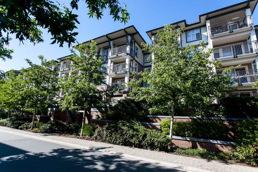 "Main Photo: 311 4833 BRENTWOOD Drive in Burnaby: Brentwood Park Condo for sale in ""Brentwood Gate"" (Burnaby North)  : MLS®# R2085863"