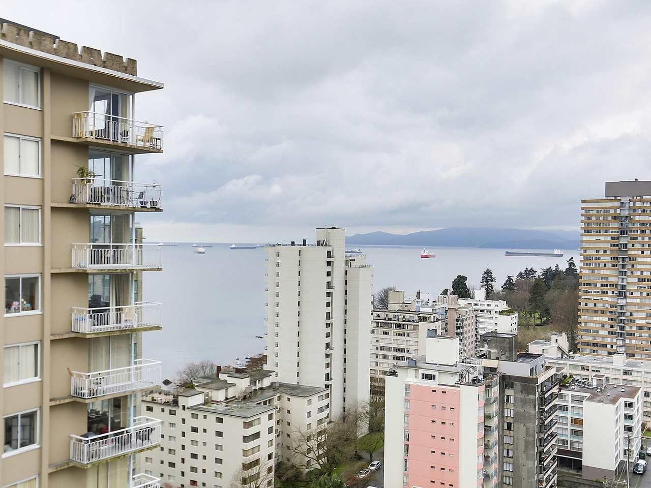 "Main Photo: 2103 1850 COMOX Street in Vancouver: West End VW Condo for sale in ""El Cid"" (Vancouver West)  : MLS®# R2147457"