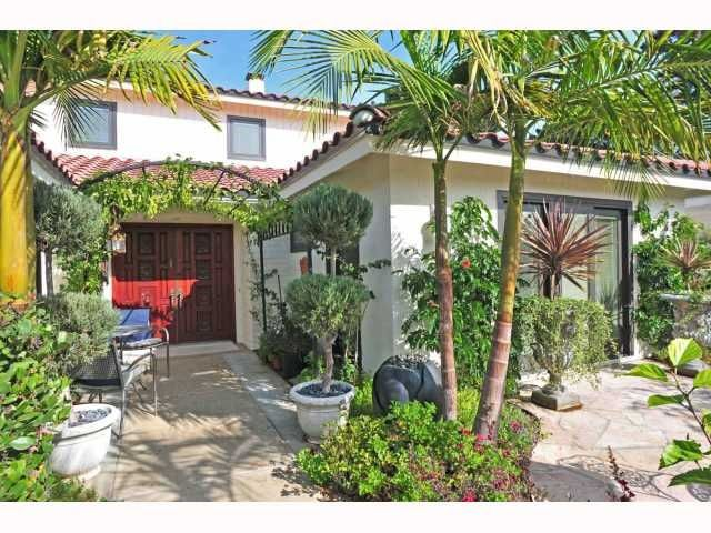 Main Photo: MISSION HILLS House for sale : 5 bedrooms : 4322 ALTAMIRANO WAY in San Diego