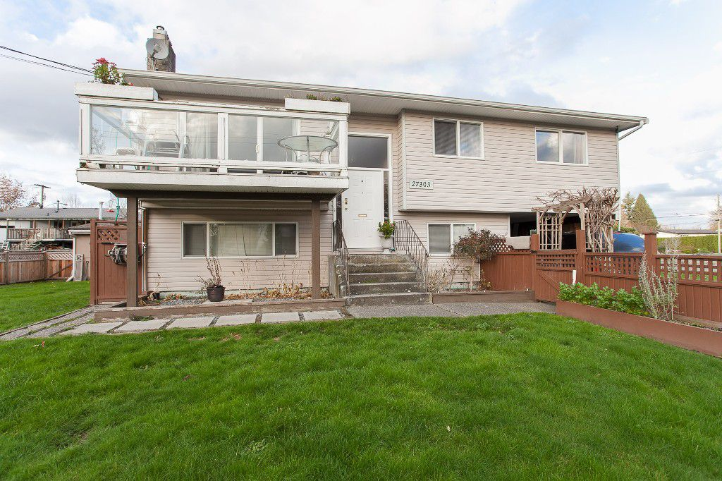 Main Photo: 27303 29 AVENUE in Langley: Aldergrove Langley House for sale : MLS®# R2124202