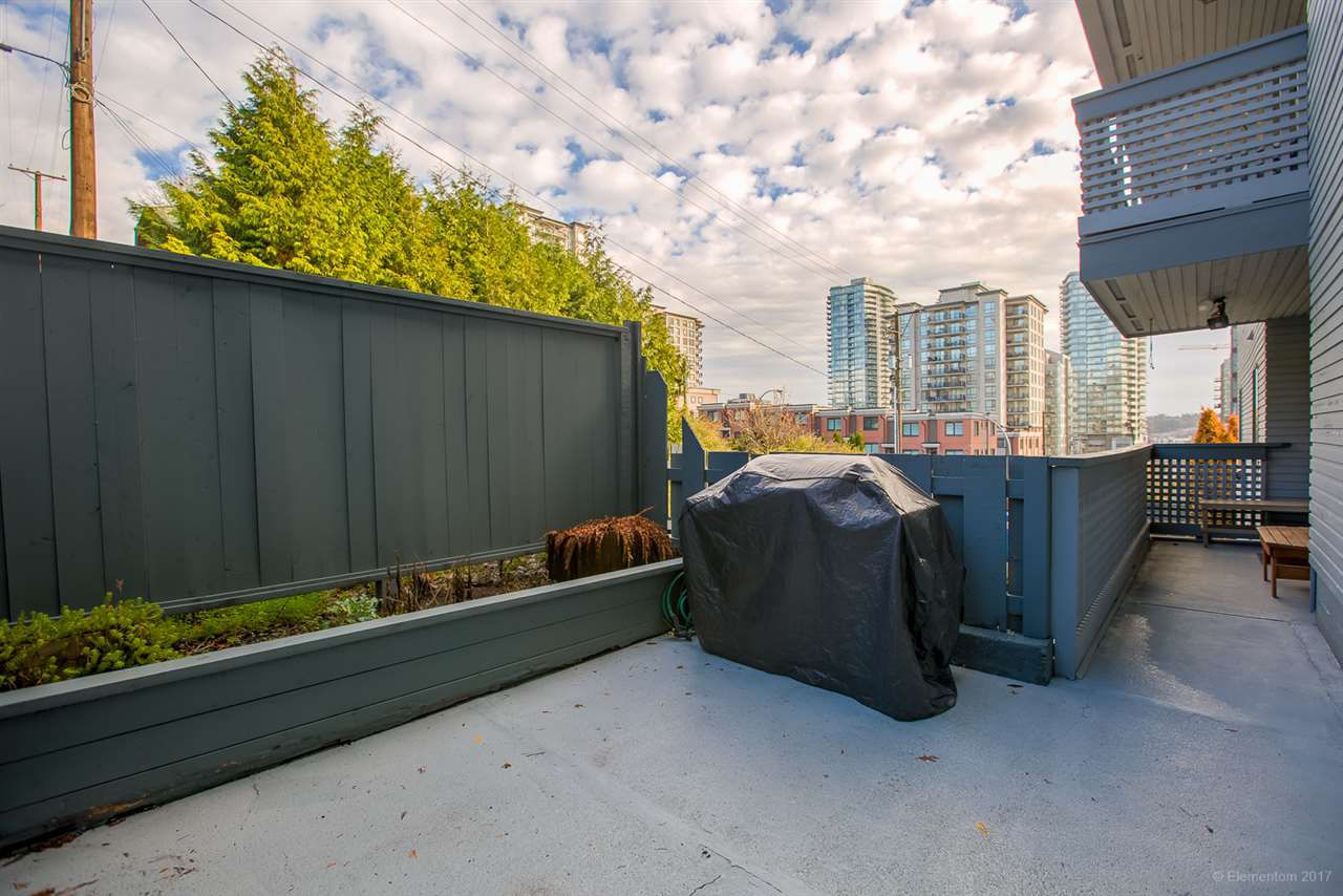 """Main Photo: 308 109 TENTH Street in New Westminster: Uptown NW Condo for sale in """"LANDGRO MANOR"""" : MLS®# R2224851"""