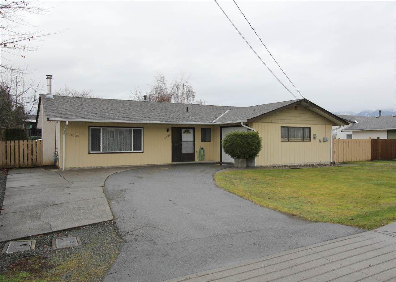Main Photo: 6525 REID Road in Sardis: Sardis West Vedder Rd House for sale : MLS®# R2234413