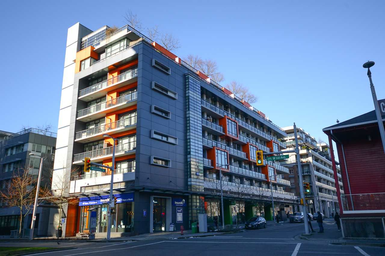 """Main Photo: 407 123 W 1ST Avenue in Vancouver: False Creek Condo for sale in """"COMPASS"""" (Vancouver West)  : MLS®# R2239199"""