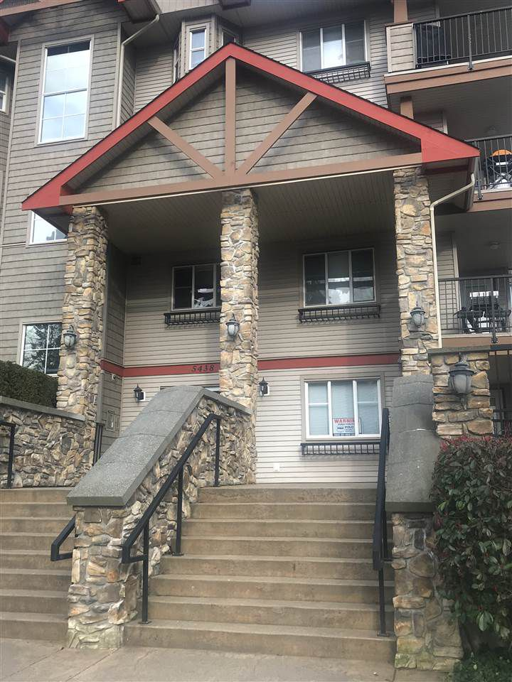 """Main Photo: 402 5438 198 Street in Langley: Langley City Condo for sale in """"Creekside Estate"""" : MLS®# R2247504"""