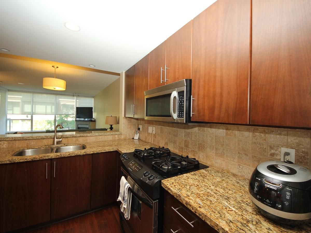 """Photo 4: Photos: 216 1483 W 7TH Avenue in Vancouver: Fairview VW Condo for sale in """"VERONA OF PORTICO"""" (Vancouver West)  : MLS®# R2288405"""