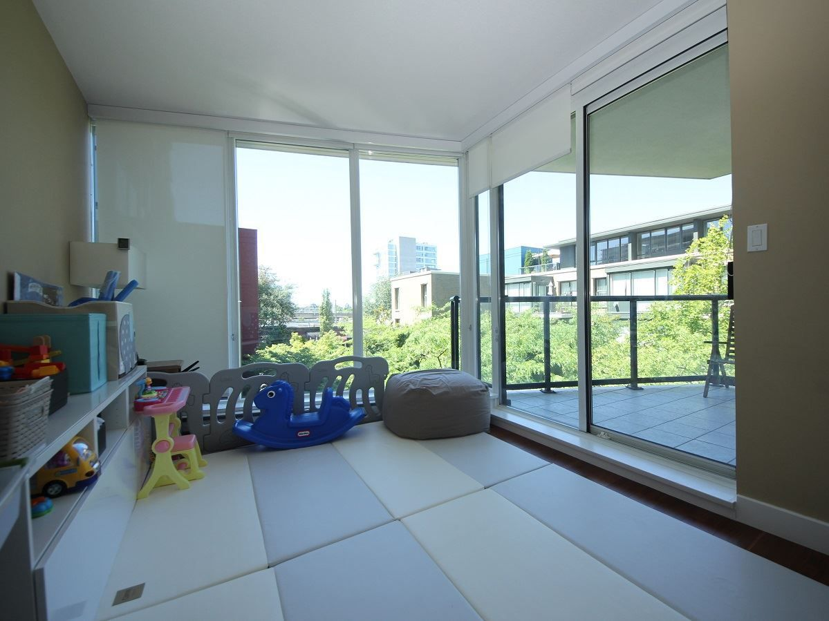 """Photo 11: Photos: 216 1483 W 7TH Avenue in Vancouver: Fairview VW Condo for sale in """"VERONA OF PORTICO"""" (Vancouver West)  : MLS®# R2288405"""