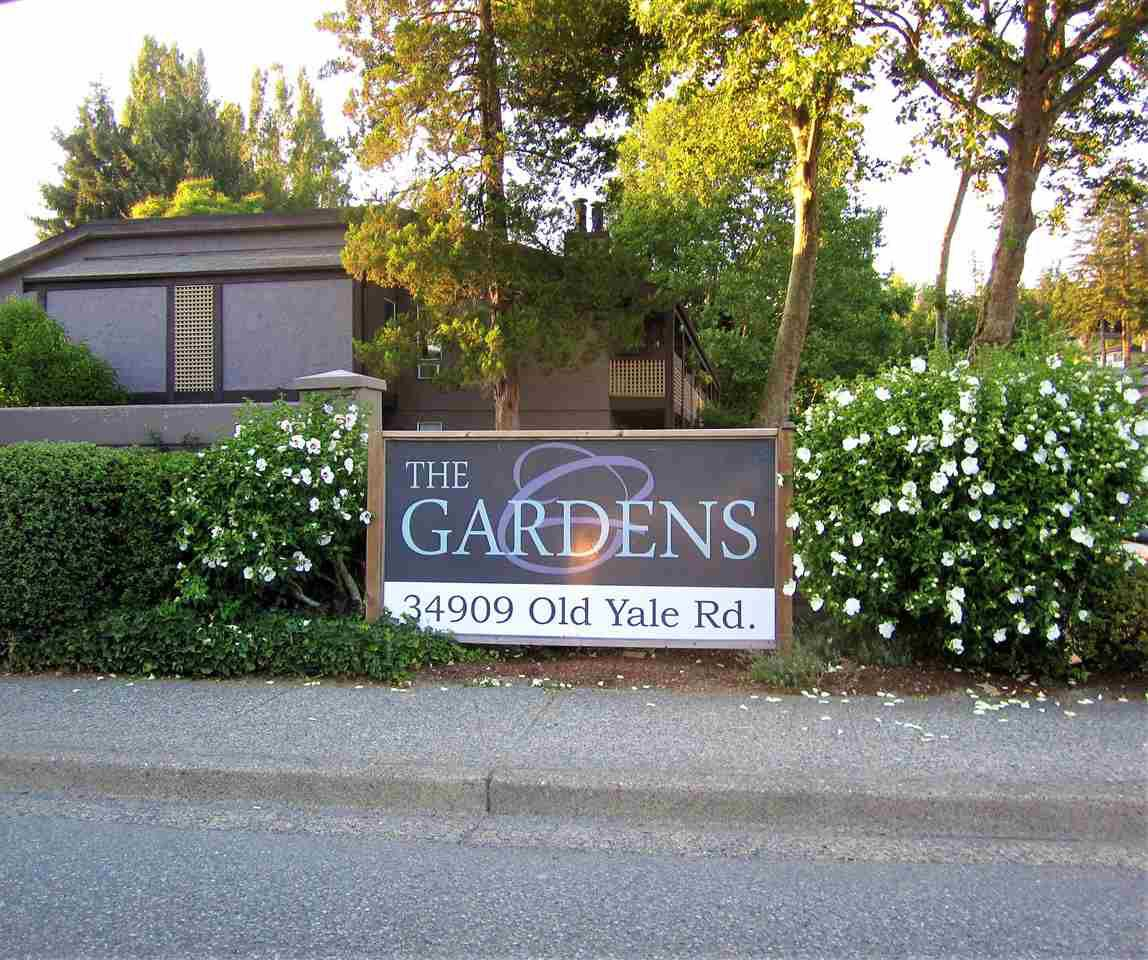 """Main Photo: 423 34909 OLD YALE Road in Abbotsford: Abbotsford East Townhouse for sale in """"The Gardens"""" : MLS®# R2291755"""