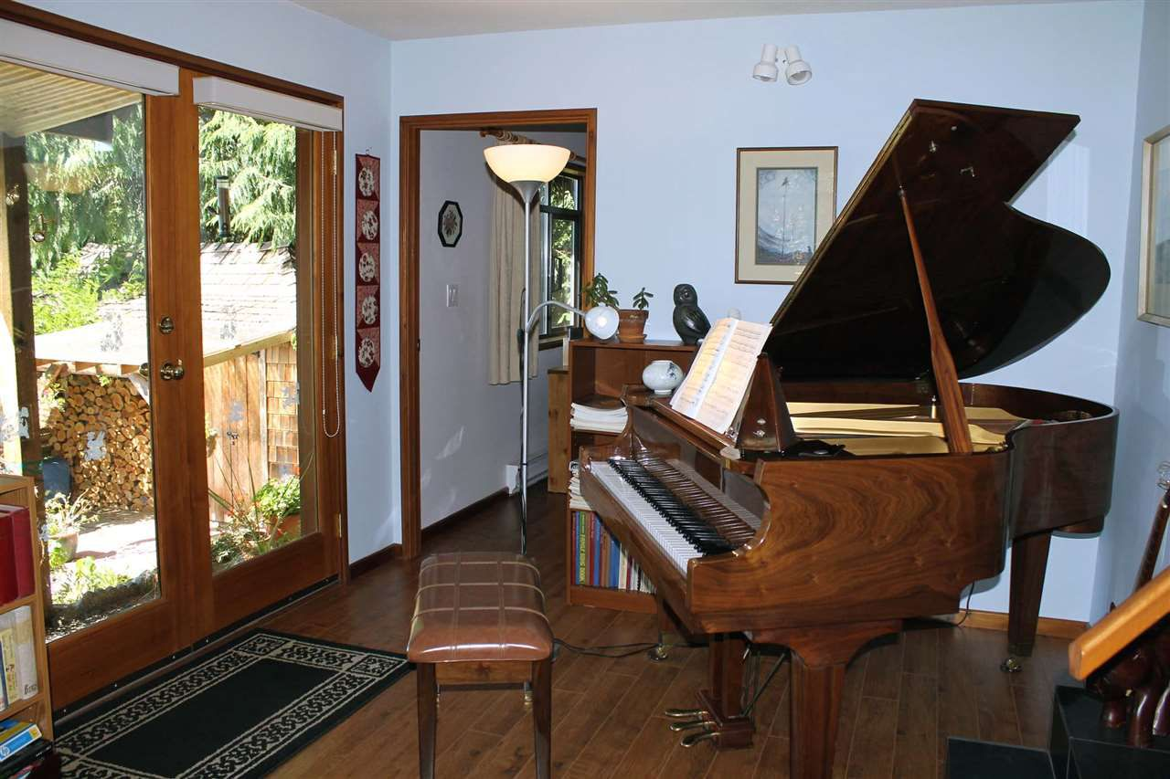 Photo 19: Photos: 5818 DEERHORN Drive in Sechelt: Sechelt District House for sale (Sunshine Coast)  : MLS®# R2311987