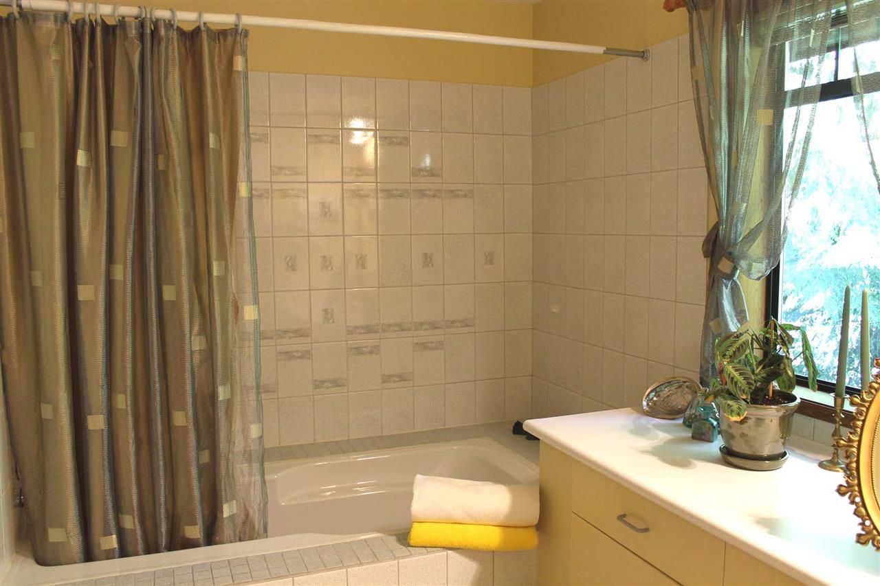 Photo 7: Photos: 5818 DEERHORN Drive in Sechelt: Sechelt District House for sale (Sunshine Coast)  : MLS®# R2311987