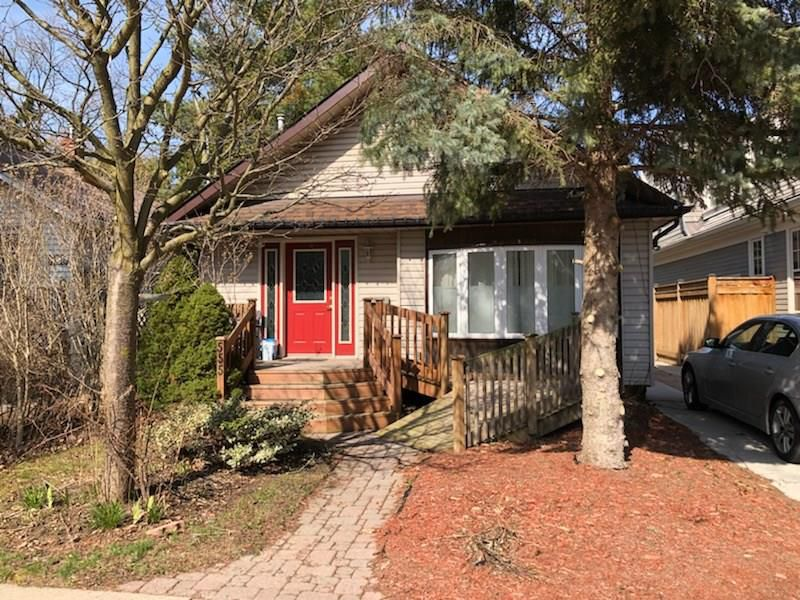 Main Photo: 555 HAGER Avenue in Burlington: Residential for sale : MLS®# H4051704