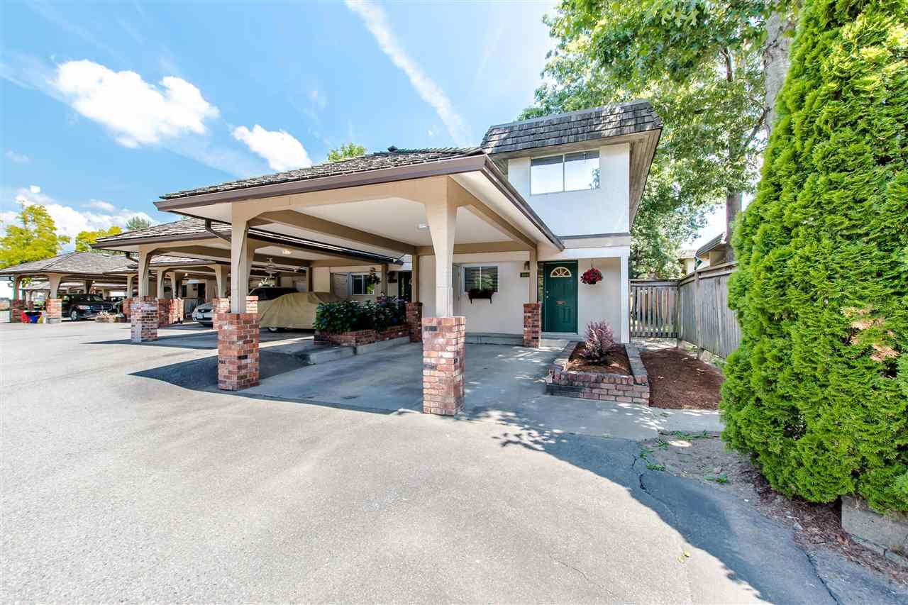 """Main Photo: 11662 RITCHIE Avenue in Maple Ridge: East Central Townhouse for sale in """"CEDAR GROVE III"""" : MLS®# R2383960"""