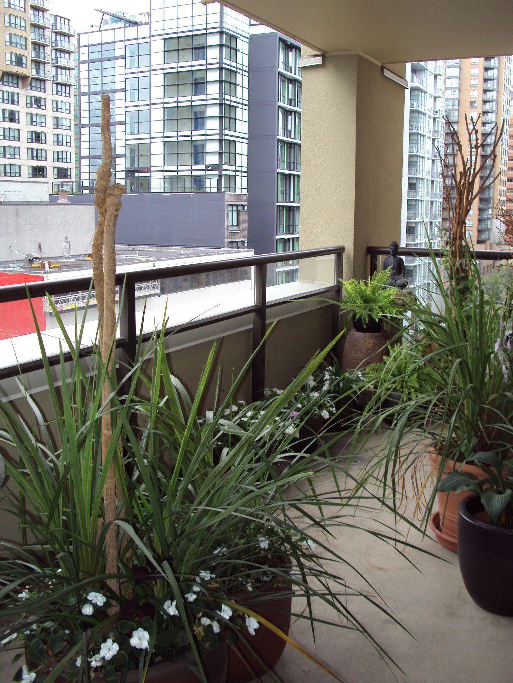 Photo 5: Photos: 803 789 Drake Street in Vancouver: Metrotown Condo for sale (Burnaby South)