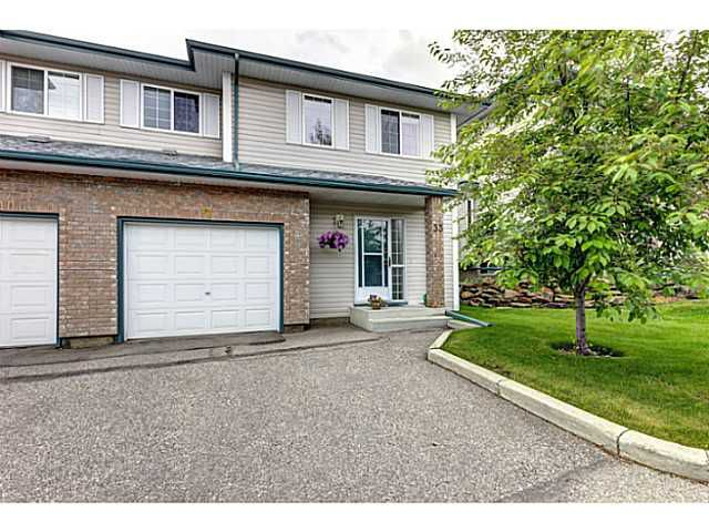 Main Photo: 33 SIERRA MORENA Villa SW in CALGARY: Richmond Hill Residential Attached for sale (Calgary)  : MLS®# C3622631