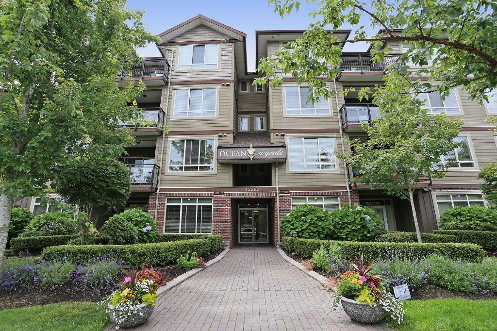 "Main Photo: 404 15368 17A Avenue in Surrey: King George Corridor Condo for sale in ""OCEAN WYNDE"" (South Surrey White Rock)  : MLS®# R2082400"