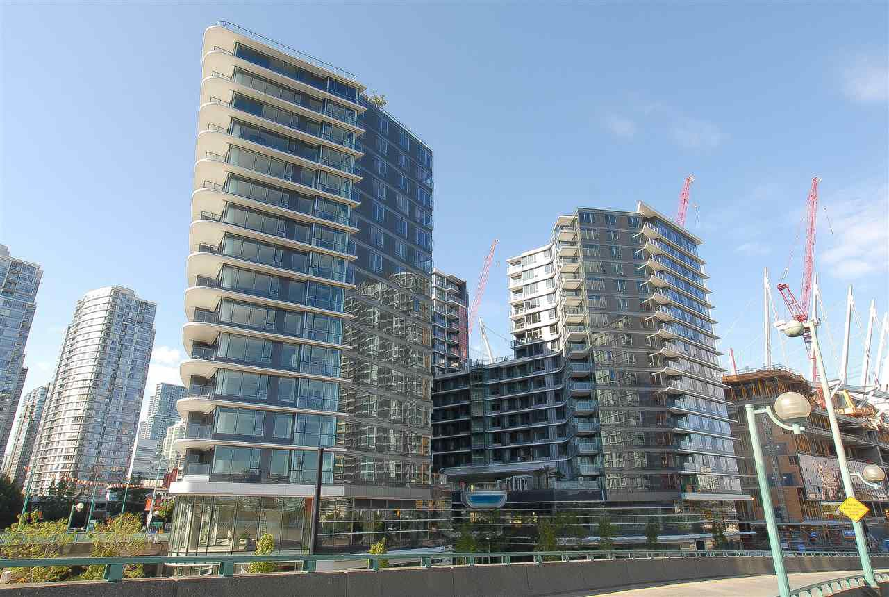 "Main Photo: 810 68 SMITHE Street in Vancouver: Yaletown Condo for sale in ""ONE PACIFIC BY CONCORD PACIFIC"" (Vancouver West)  : MLS®# R2124963"