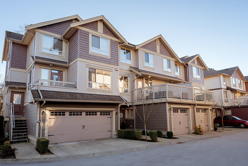 "Main Photo: 25 19560 68 Avenue in Surrey: Clayton Townhouse for sale in ""SOLANA"" (Cloverdale)  : MLS®# R2136001"