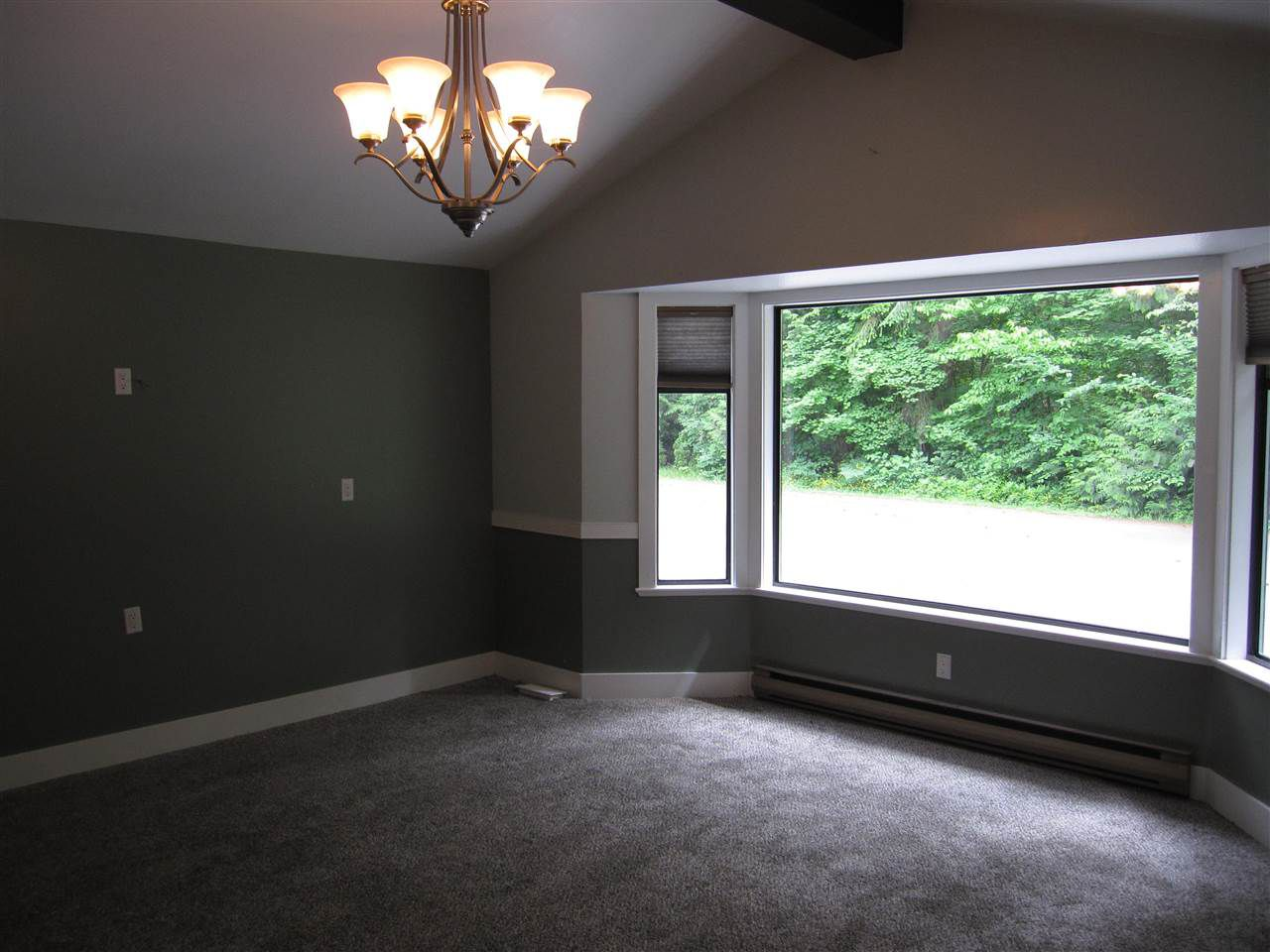Photo 5: Photos: 23385 128 Avenue in Maple Ridge: East Central House for sale : MLS®# R2180788