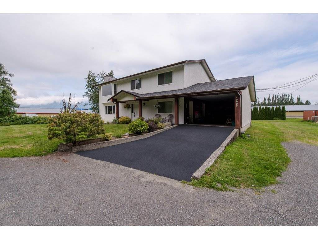 """Main Photo: 43025 VEDDER MOUNTAIN Road: Yarrow House for sale in """"Yarrow"""" : MLS®# R2281763"""