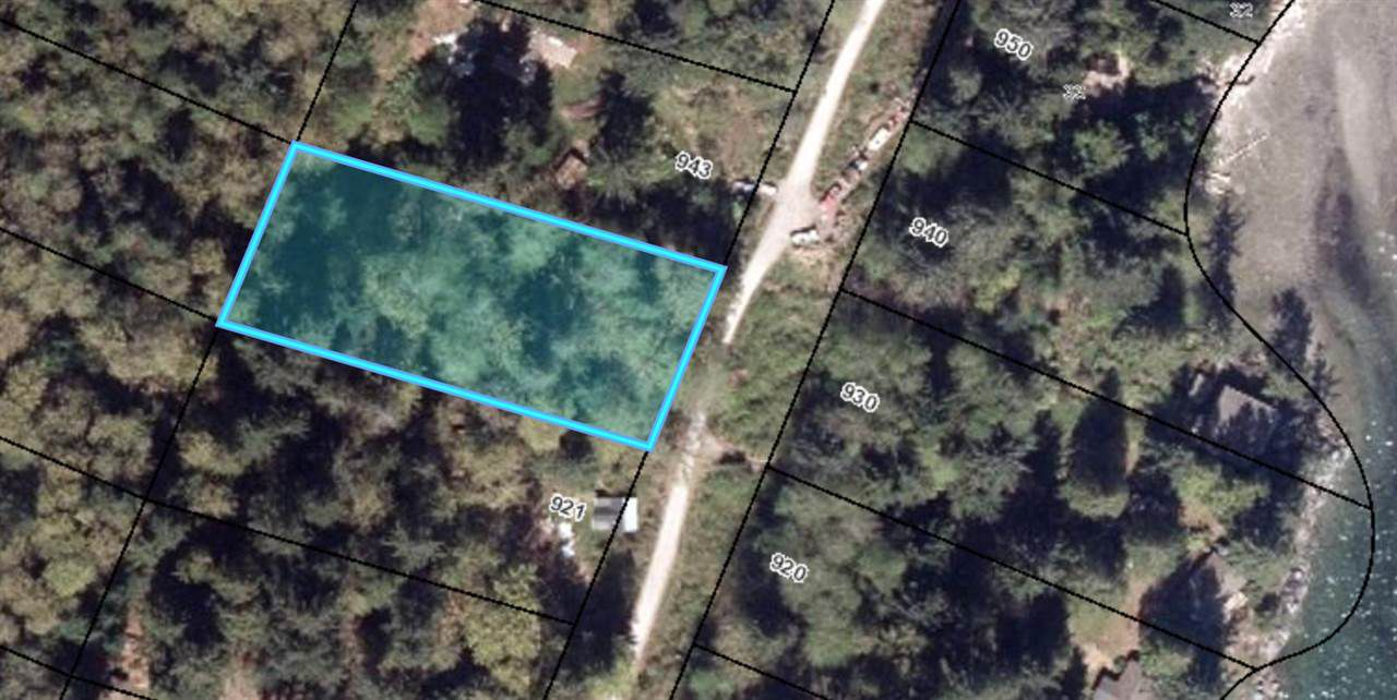"Main Photo: BLK 51 THE GROVE Road: Gambier Island Home for sale in ""West Bay"" (Sunshine Coast)  : MLS®# R2324691"
