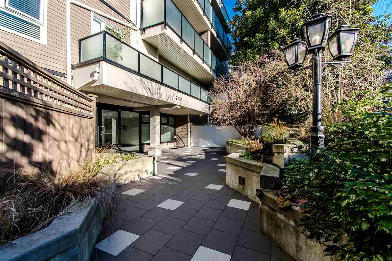 Main Photo: 207 2333 TRIUMPH Street in Vancouver: Hastings Condo for sale (Vancouver East)  : MLS®# R2334307