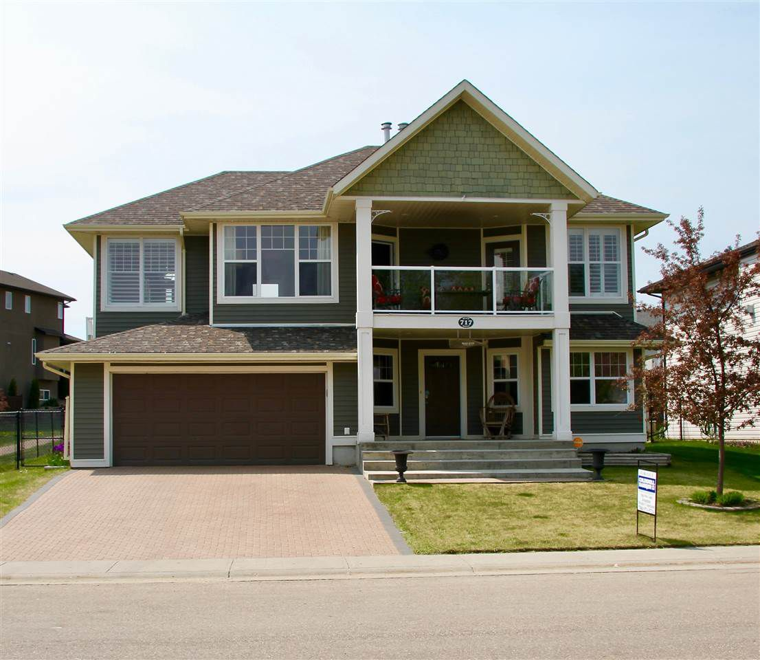 Main Photo: 717 Beach Avenue: Cold Lake House for sale : MLS®# E4143778