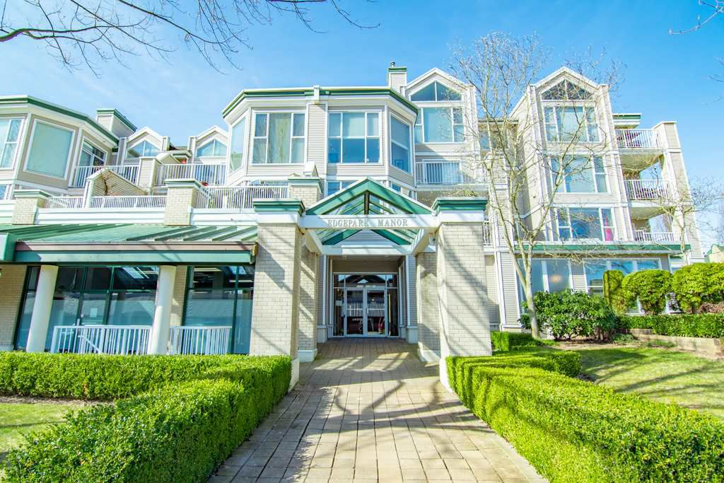 "Main Photo: 109 12155 191B Street in Pitt Meadows: Central Meadows Condo for sale in ""Edgepark Manor"" : MLS®# R2350024"