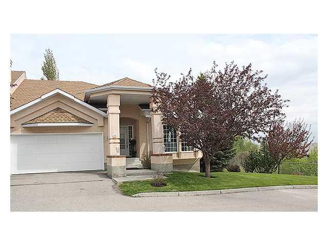 Main Photo: 85 CHRISTIE Gardens SW in CALGARY: Christie Park Estate Townhouse for sale (Calgary)  : MLS®# C3477967