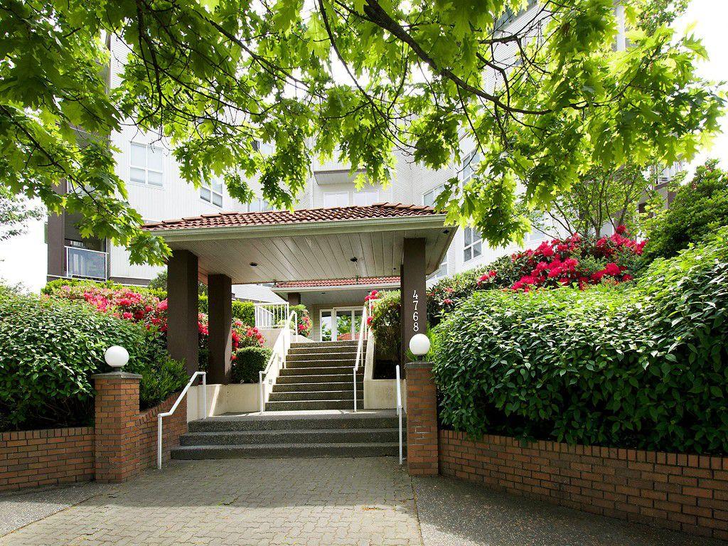 "Main Photo: 214 4768 53RD Street in Ladner: Delta Manor Condo for sale in ""SUNNINGDALE IV"" : MLS®# V1133239"