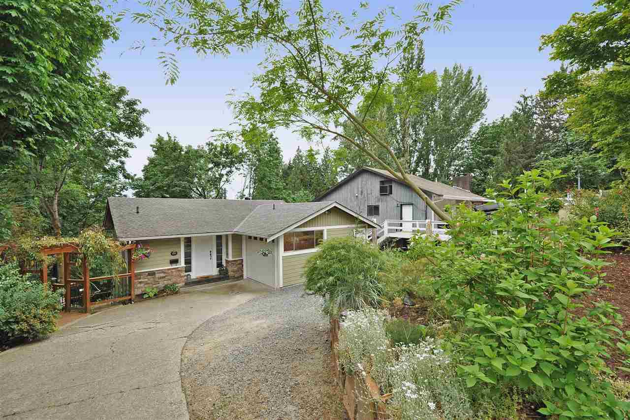 Main Photo: 34332 RUSSET Place in Abbotsford: Central Abbotsford House for sale : MLS®# R2071411