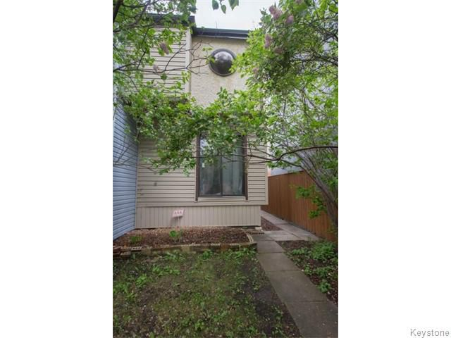 Main Photo: 394 Wardlaw Avenue in Winnipeg: Fort Rouge / Crescentwood / Riverview Residential for sale (South Winnipeg)  : MLS®# 1613898