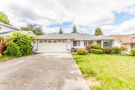 Main Photo: 35831 EAGLECREST Drive in Abbotsford: Abbotsford East House for sale : MLS®# R2084919